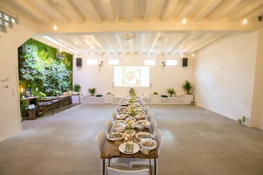 Green and Bright Multipurpose Event Space for exhibition