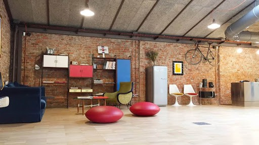 Multipurpose Modern Loft with a Unique Decoration in milan