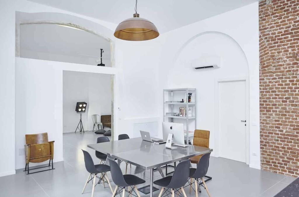 Minimalist and Luminous Boardroom in Milan