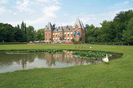 Splendid Castle with Garden Space in Brussels