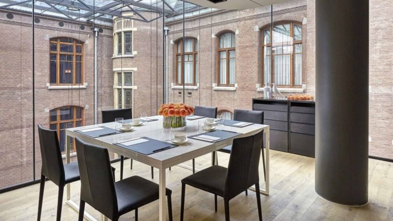 Stunning Boardroom Meeting Space in Amsterdam with Glass Walls