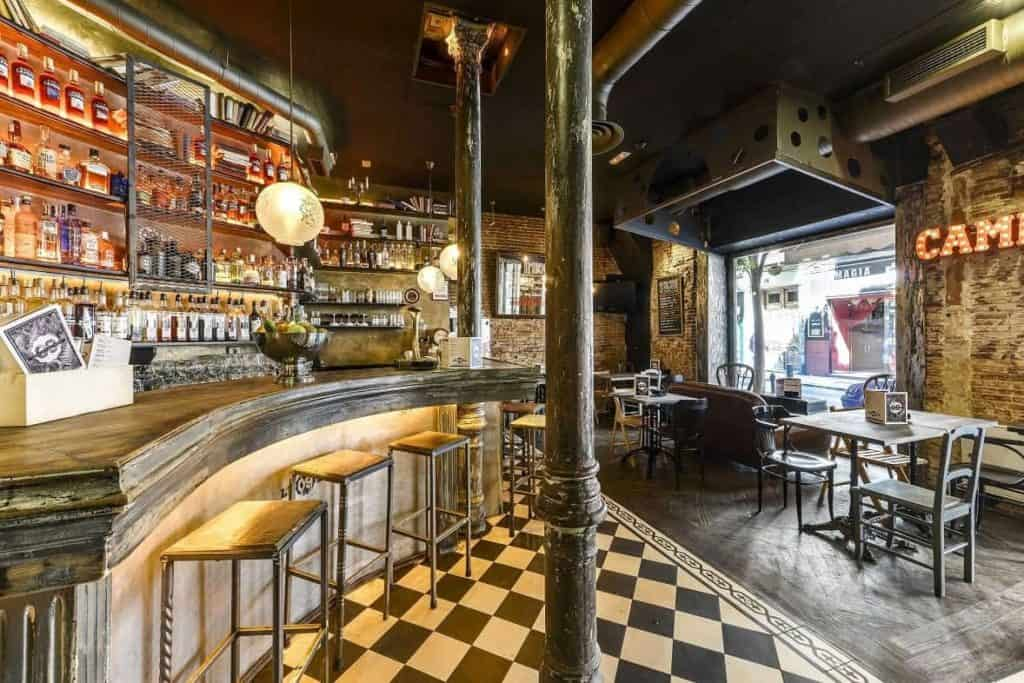 Trendy bar with great atmosphere