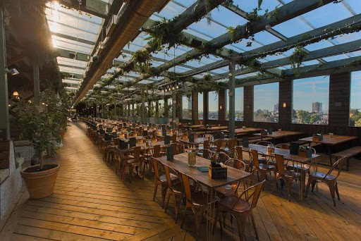Trendy Rooftop with Views of London