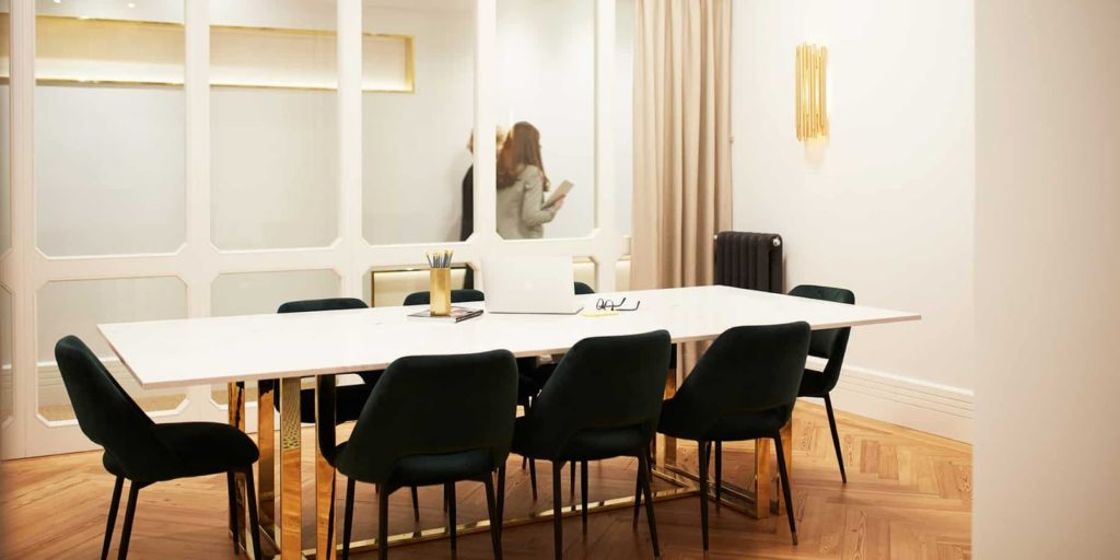 Chic and Stylish Brainstorming Space in Madrid