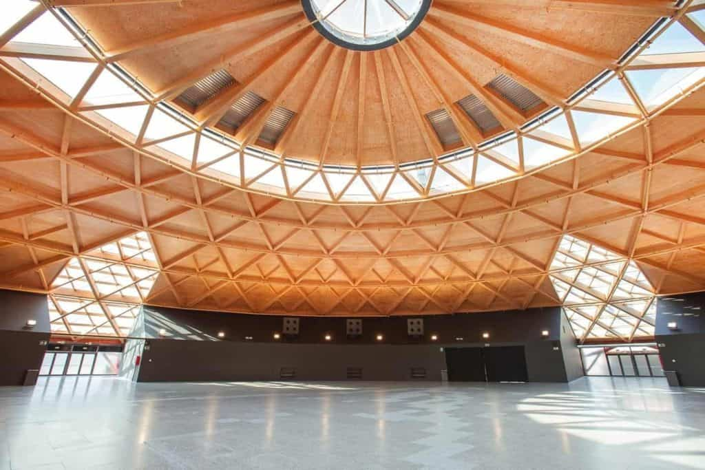 Enormous and Versatile Exhibition Venue in Barcelona