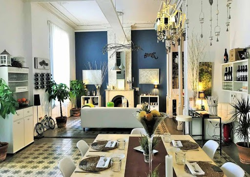 Intimate Group Dining Venue in Barcelona Near Placa Reial