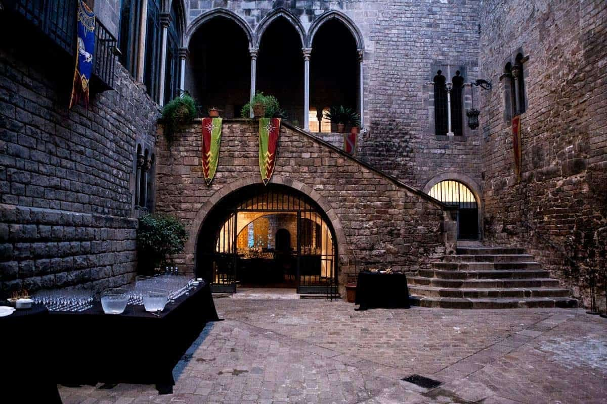 Medieval Group Dining Space in Barcelona