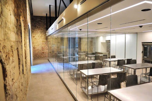 Specialised Glass Training Venue in Barcelona