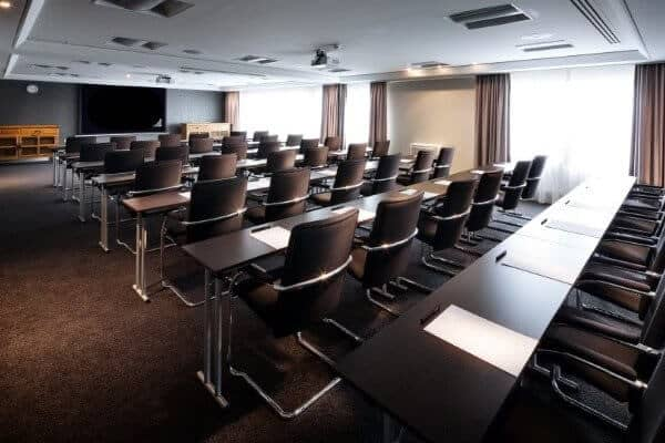 inspiring-conference-room