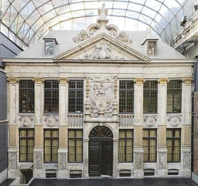 quintessential-courtyard