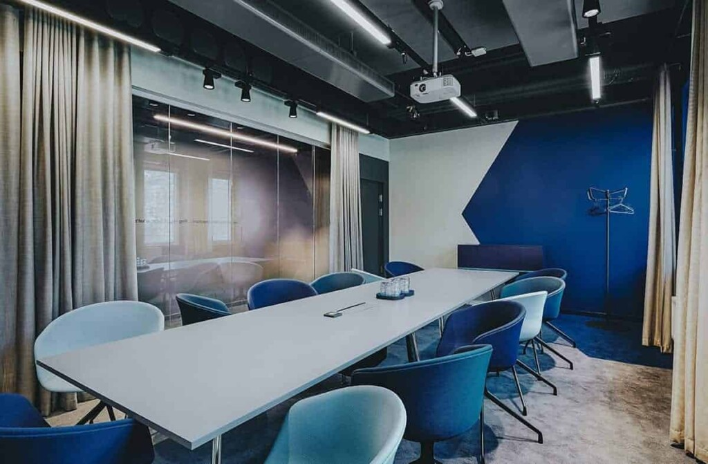 Classy meeting space with elegant blue interior in Stockholm. Venue for meetings, workshops and brainstorming sessions.