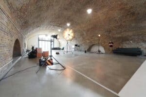 Rustic studio space with a chic character in Shoreditch, London. Venue for exhibitions, product launches or press conferences.