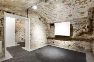 Unadorned event space for various occasions in Haute Marais, Paris. Urban blank canvas venue in exhibition, pop-up event, showroom